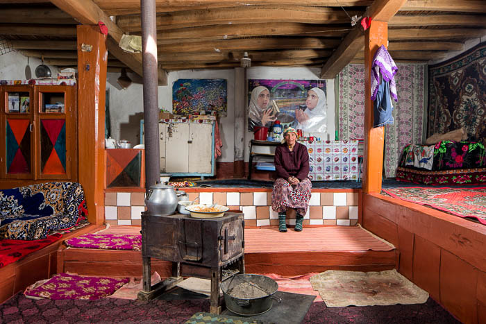 Pamiri woman sitting in her home in Vichkut (2014)